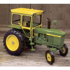 1/16 John Deere 4010 WF with Hiniker Cab Diesel 40th Anniv Edition