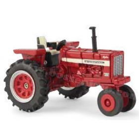 1/64 Farmall 656 NF Hydro open station