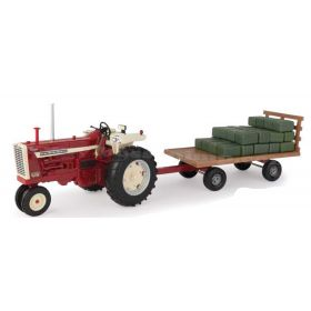 1/16 Big Farm Farmall 1206 NF with hay wagon