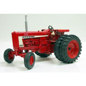 1/16 Farmall 806 with duals '97 Lafayette Show Edition