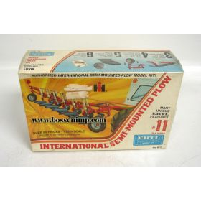 1/25 International Plow 6 bottom Semi-Mounted Kit