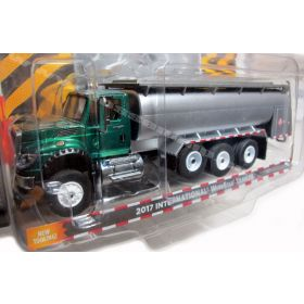 1/64 International WorkStar 2013 Tanker Truck green cab chase