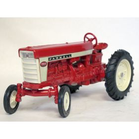 1/16 Farmall 560 WF with singles '78 Toy Farmer