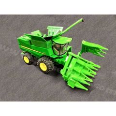 1/64 John Deere Combine S-790 with 2 heads