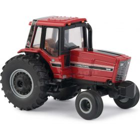 1/64 International 3688 2WD with cab
