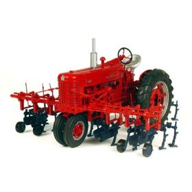 1/16 Farmall 400 with Cultivator Precision 50th Anniversary Edition