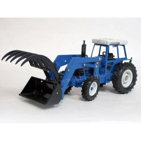 1/32 Ford 8630 with loader and attachments