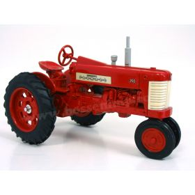 1/16 Farmall 350 Tractors of the Past set