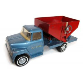 1/16 International Loadstar 1600 Truck with Gravity Wagon