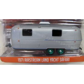 1/64 Travel Trailer Airstream Camper with Double Axle (Chase Unit)