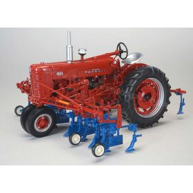 1/16 Farmall 400 NF with Cultivator