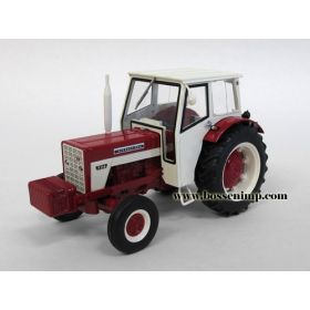 1/32 International 724 2WD w/cab