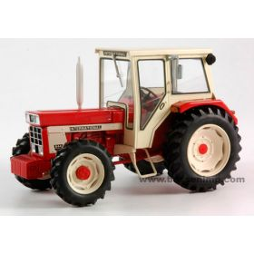 1/32 International 844 MFD w/cab