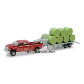 1/64 Dodge Pickup Ram w/Hay Bales on Flatbed Trailer