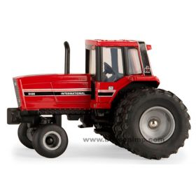 1/64 International 5288 2WD w/rear duals