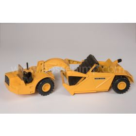 1/16 John Deere Scraper 860 with windshield
