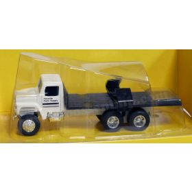 1/64 Implement Hauling Flatbed Truck
