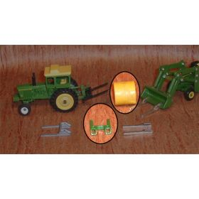1/64 Bale Fork Single Green w/hay or straw bale