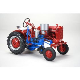 1/16 Farmall Cub with planter