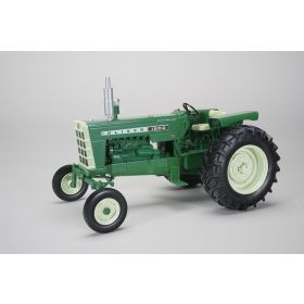 1/16 Oliver 1650 WF Diesel with Fender Radio